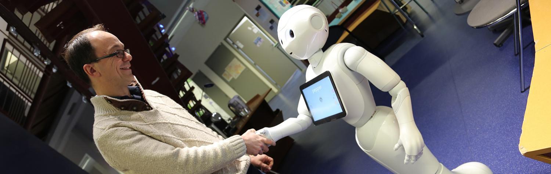 Le premier robot Pepper est arrivé à l'INSA Lyon !